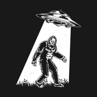 Bigfoot UFO Abduction Vintage Bigfoot Believer t-shirts