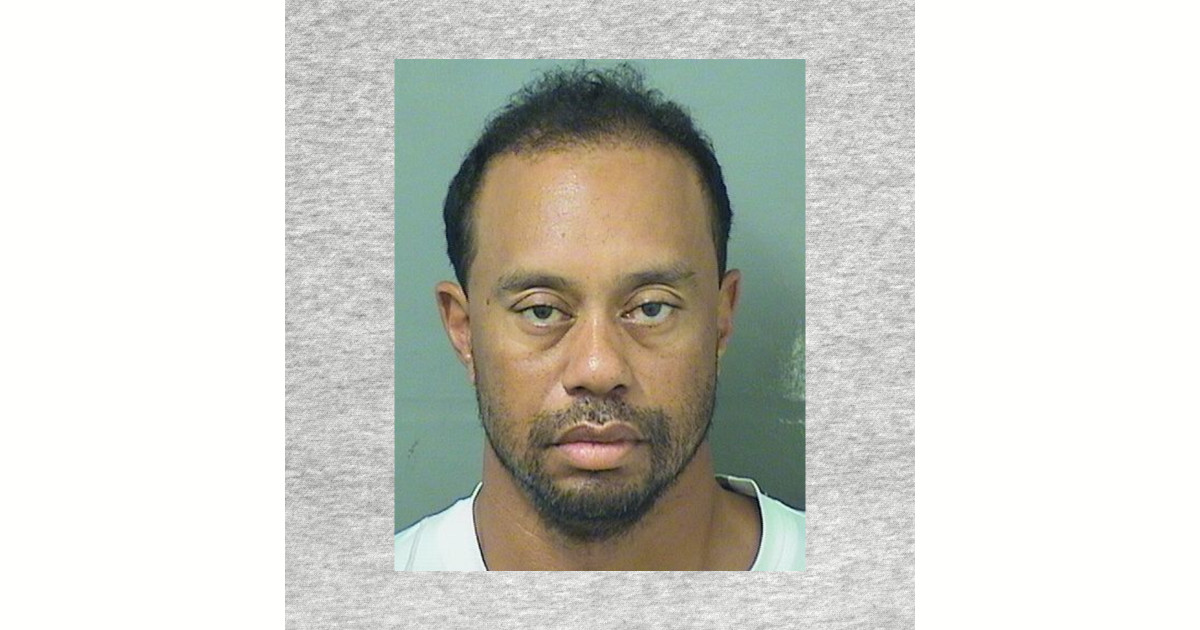 tiger woods may 29th 20917 mug shot t-shirt