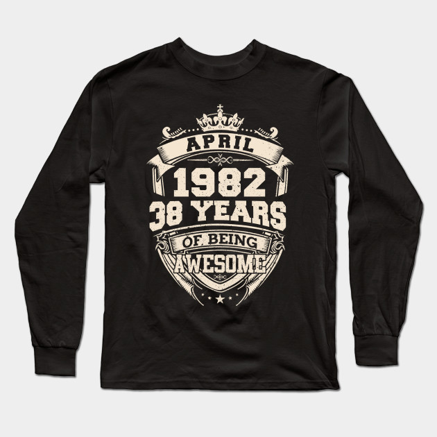 Gift for Him Dad Grandad Awesome Since 1982 Mens Funny T Shirt