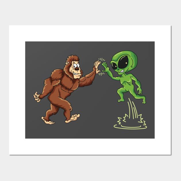 Bigfoot Alien High Five Yeti Conspiracy Believers