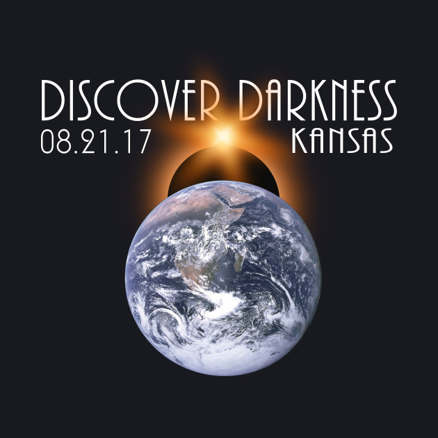 Discover Darkness - Path of Totality KANSAS, Total Solar Eclipse 2017 T-Shirt T-Shirt