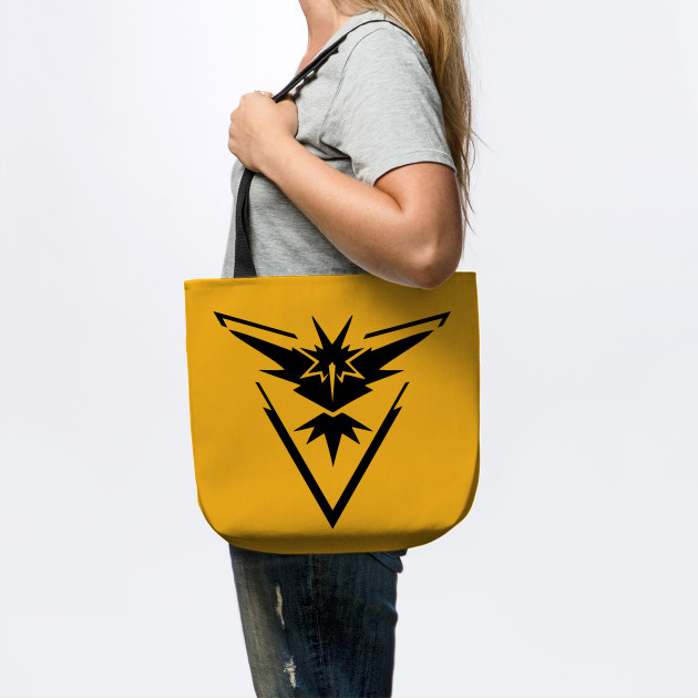 Pokemon Go - Team Instinct Symbol T-Shirt