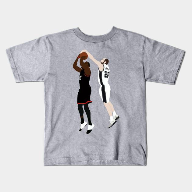 aea39e727371 Manu Ginobili Block On James Harden - Manu Ginobili - Kids T-Shirt ...