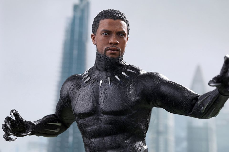 Hot-Toys-Black-Panther-1