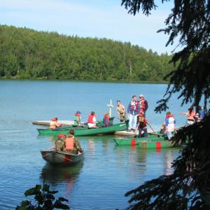 Cub Scouts Canoeing on Edmonds Lake