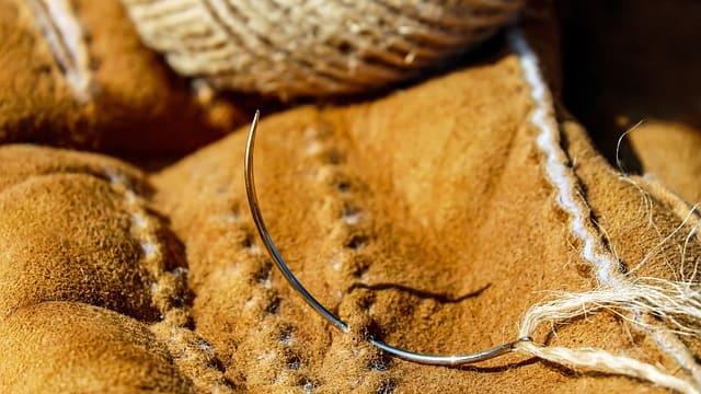 Fabricación de calzado con corte de piel y cuero