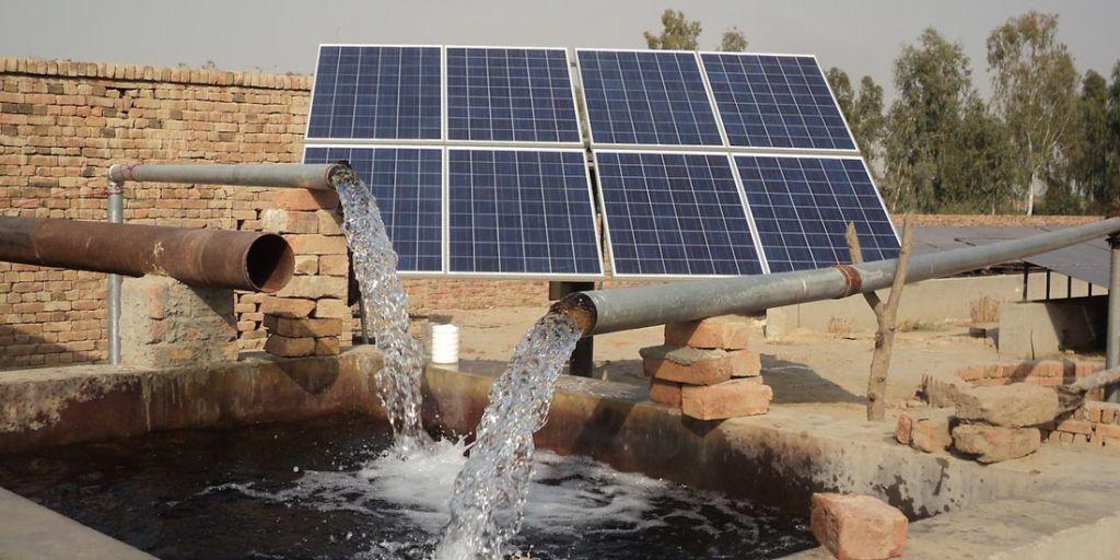 پمپ خورشیدی