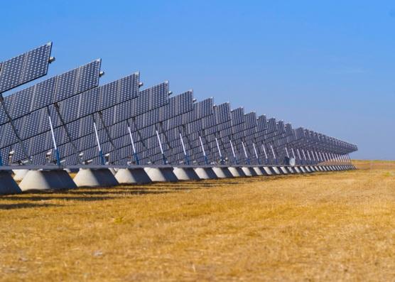 تامین برق کل آمریکا با پنل خورشیدی