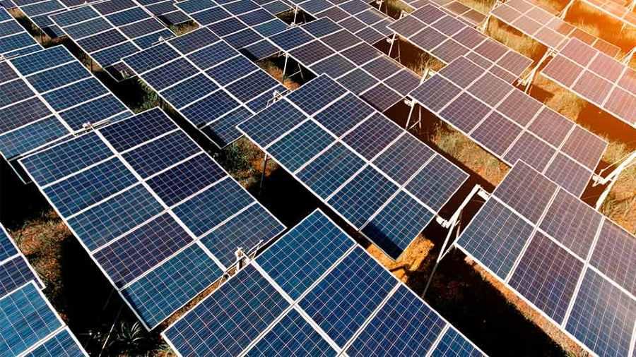 تکنولوژی پنل شیاردار آیندهی نیروگاه خورشیدی