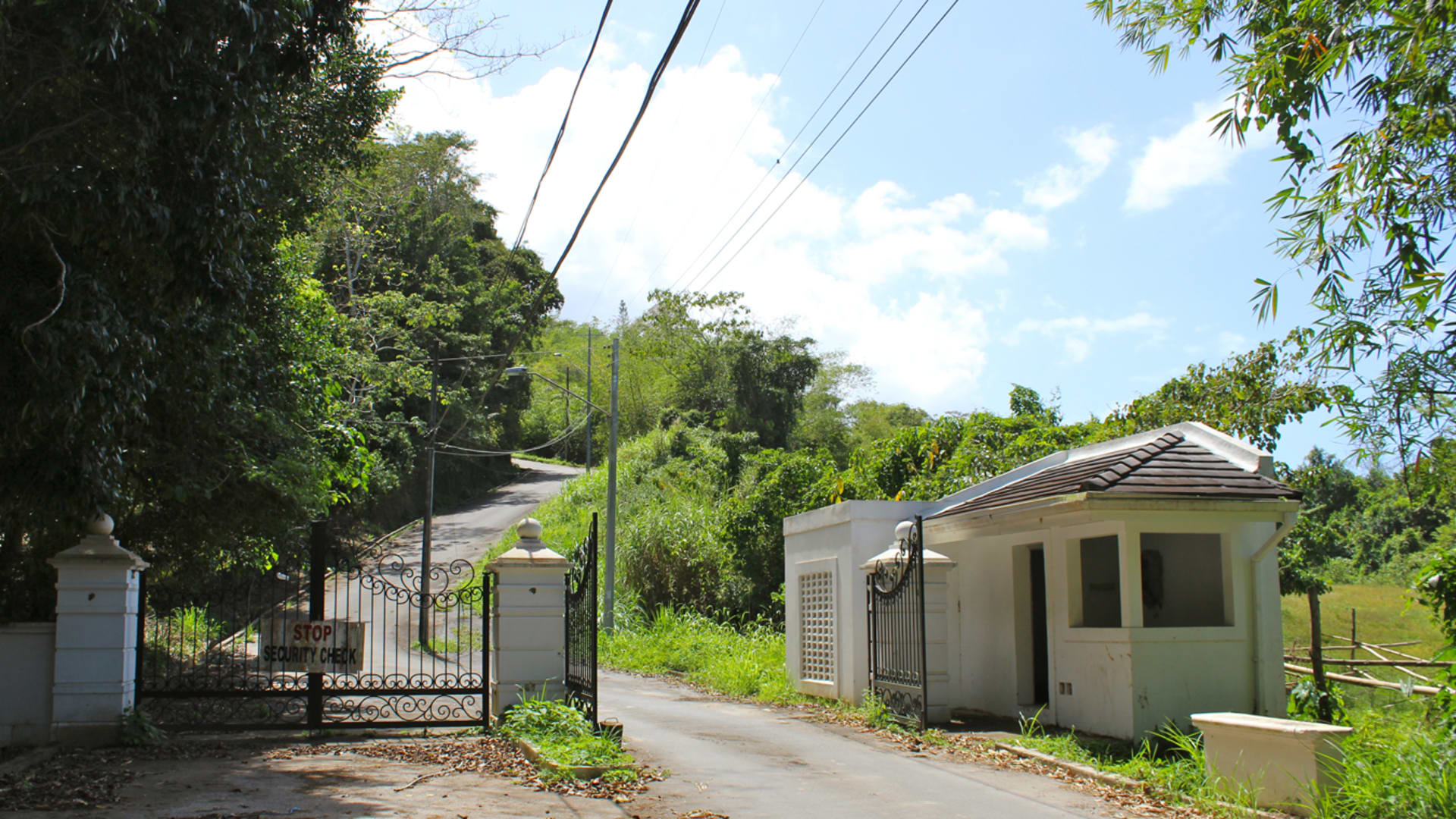 Greenview santa cruz lot 27 land trinidad luxury homes for Trini homes