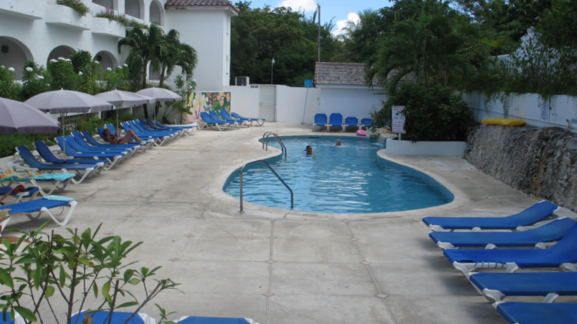 Tropical Escape Hotel Amp Blue Monkey Hotel Barbados