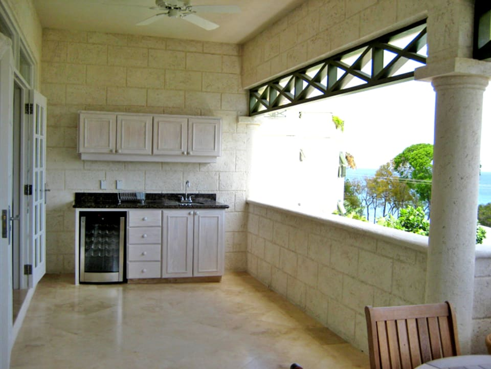 Patio with wet bar