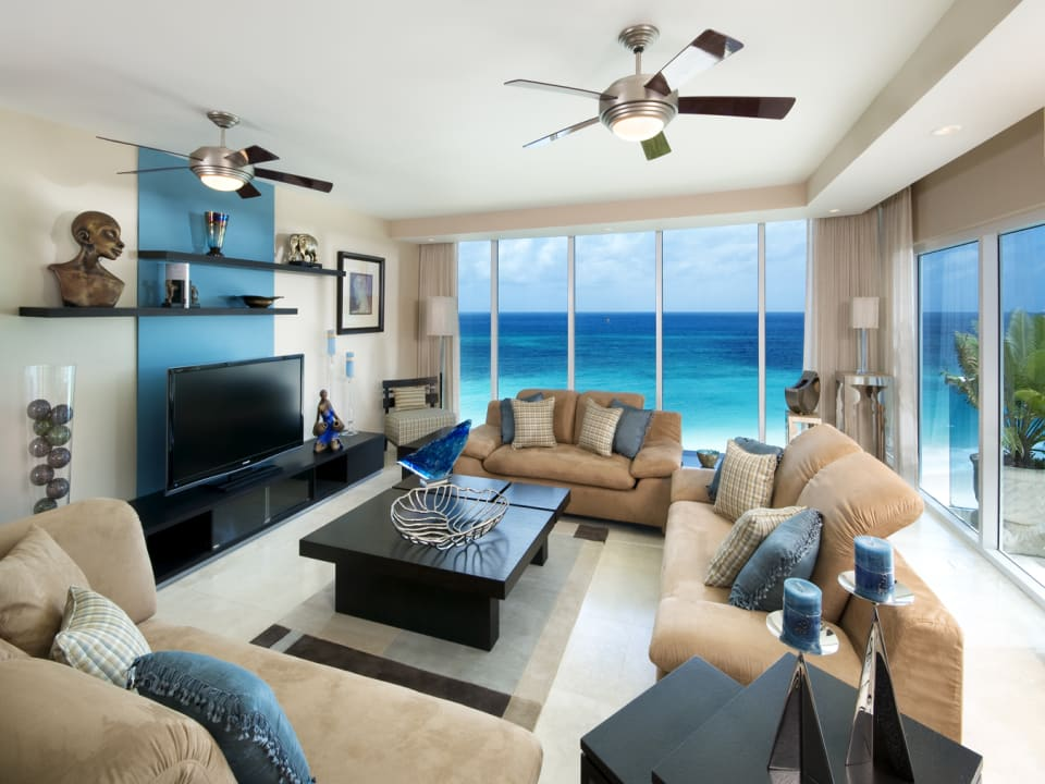 living room with view of the sea