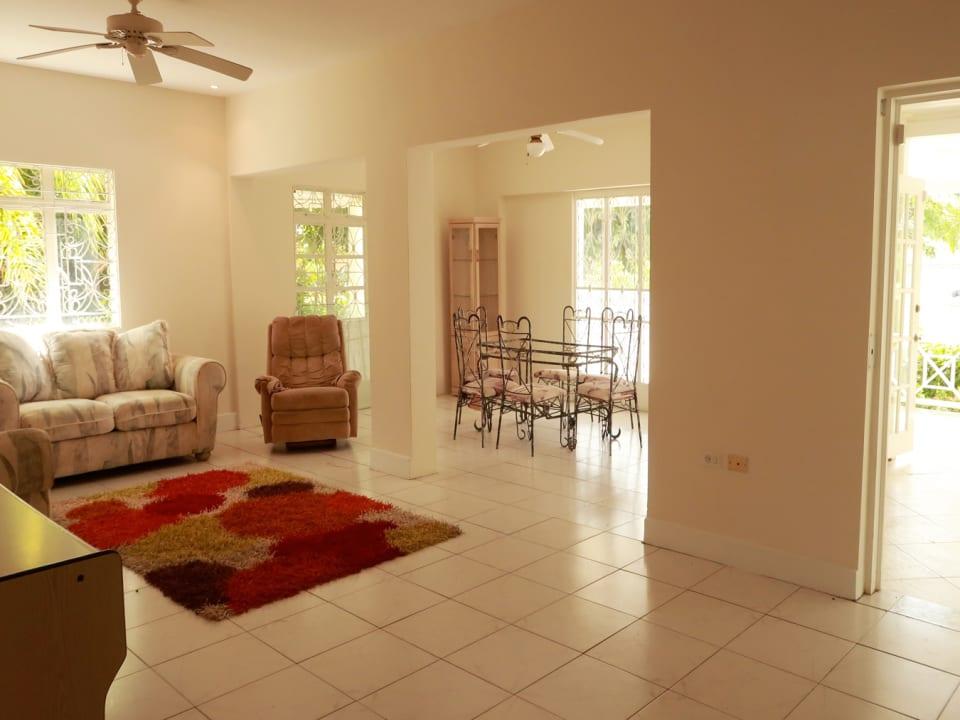 Open plan living & dining room