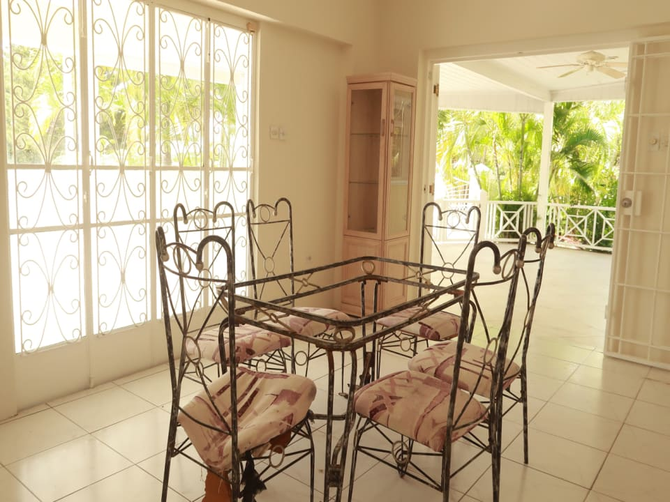 Dining room with two double doors onto terrace
