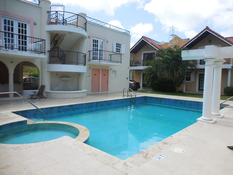 Pool looking to the Apartment Block