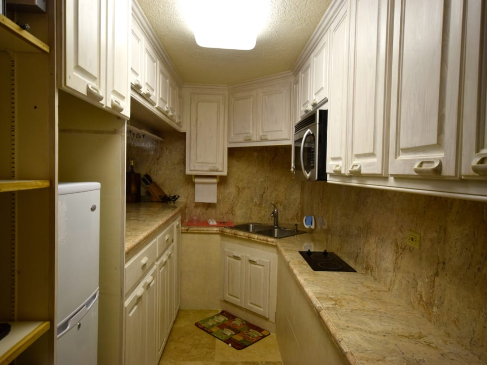 Basement studio apartment - kitchen