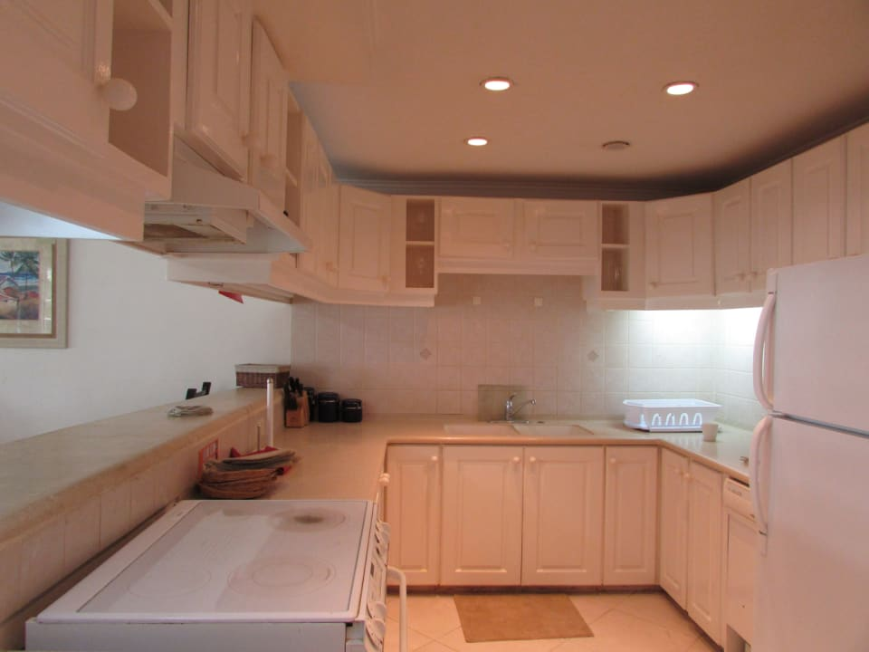Large, equipped kitchen