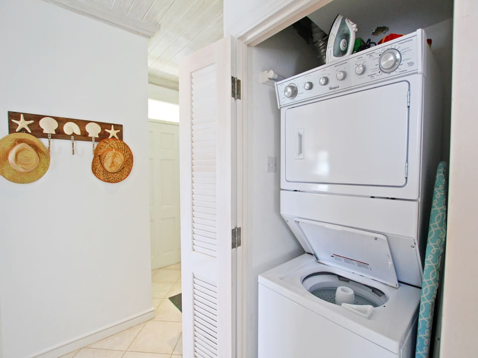 Combined washing machine and dryer
