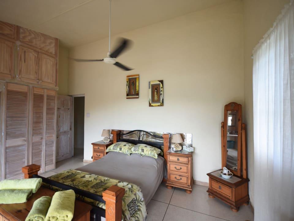 Guest Bedroom in Bimshire