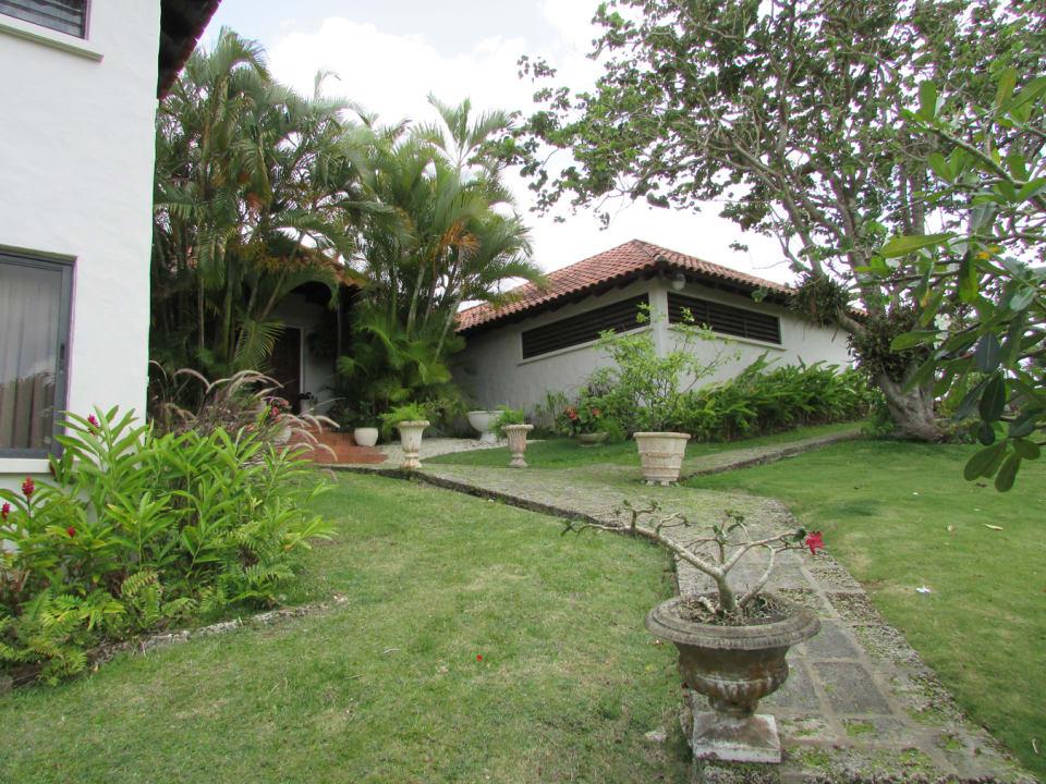 Splendid Barbados Gardens - Mature Trees