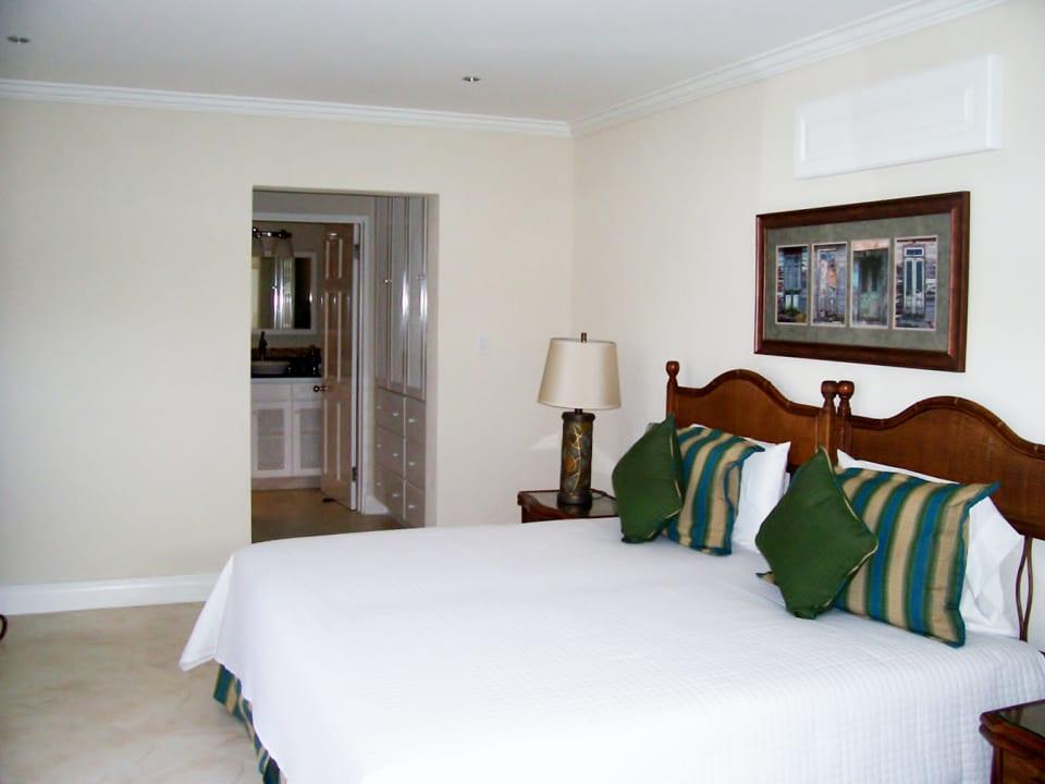 2nd master bedroom with en suite