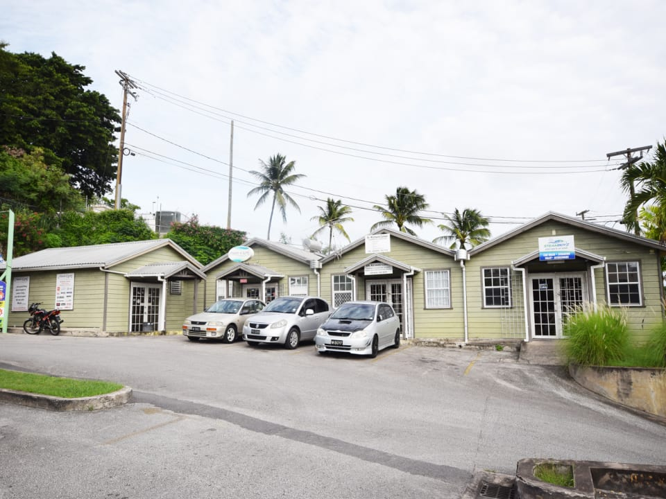 Onsite fitness centre, courier, pharmacy, car valet, doctors office & more