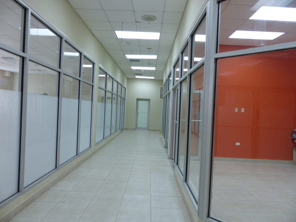 Large Corridors with move in ready spaces