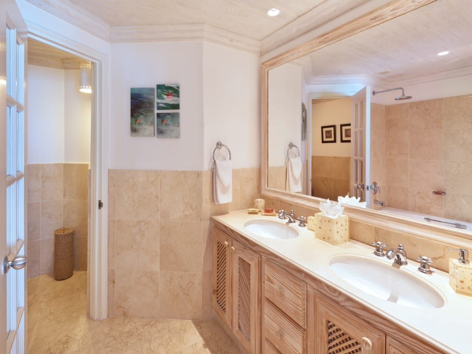 One of the four en suite bathrooms