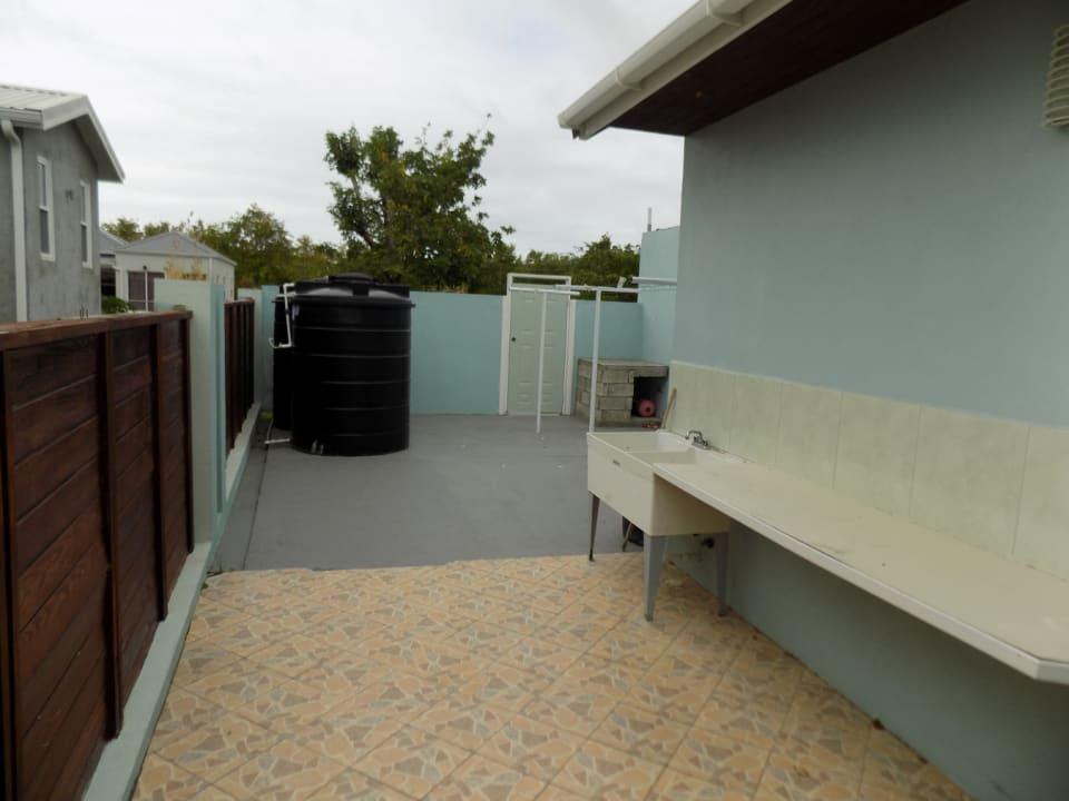 Outdoor utility area