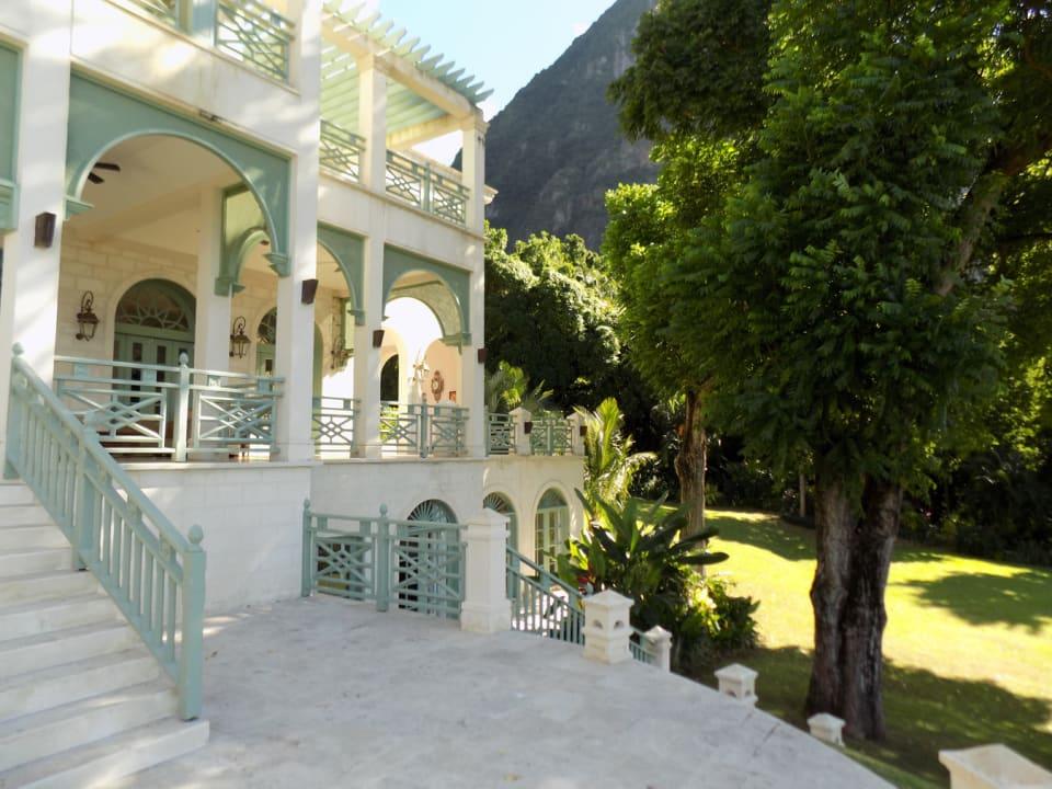 Stairway to Garden