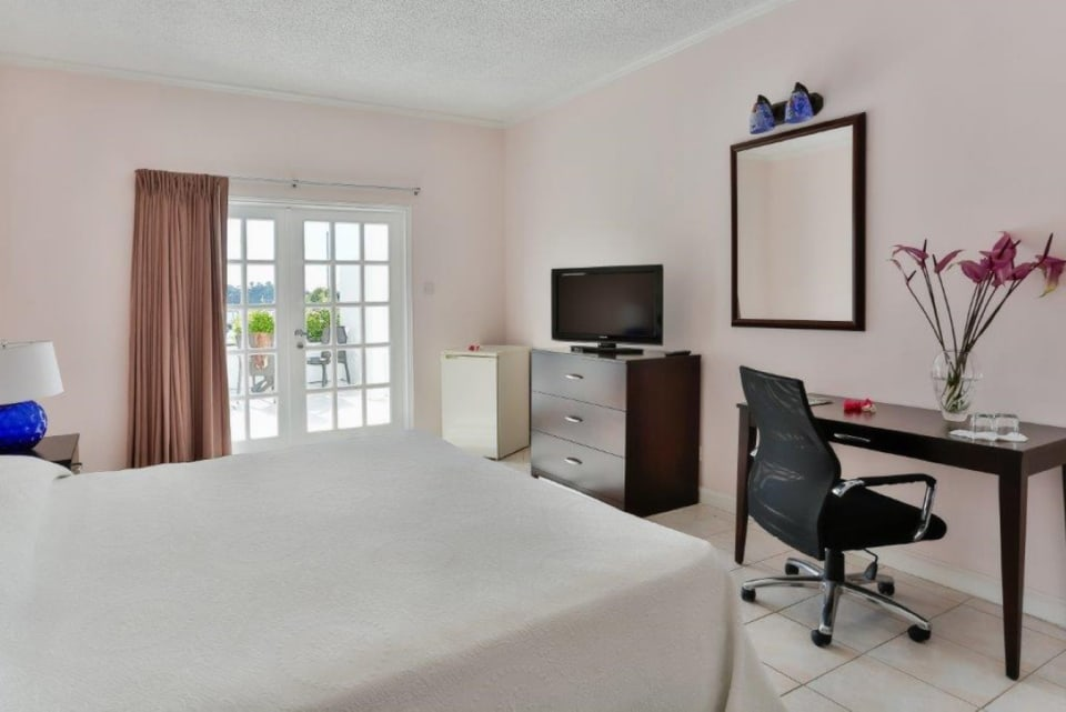 En-suite Single Bedroom with Balcony