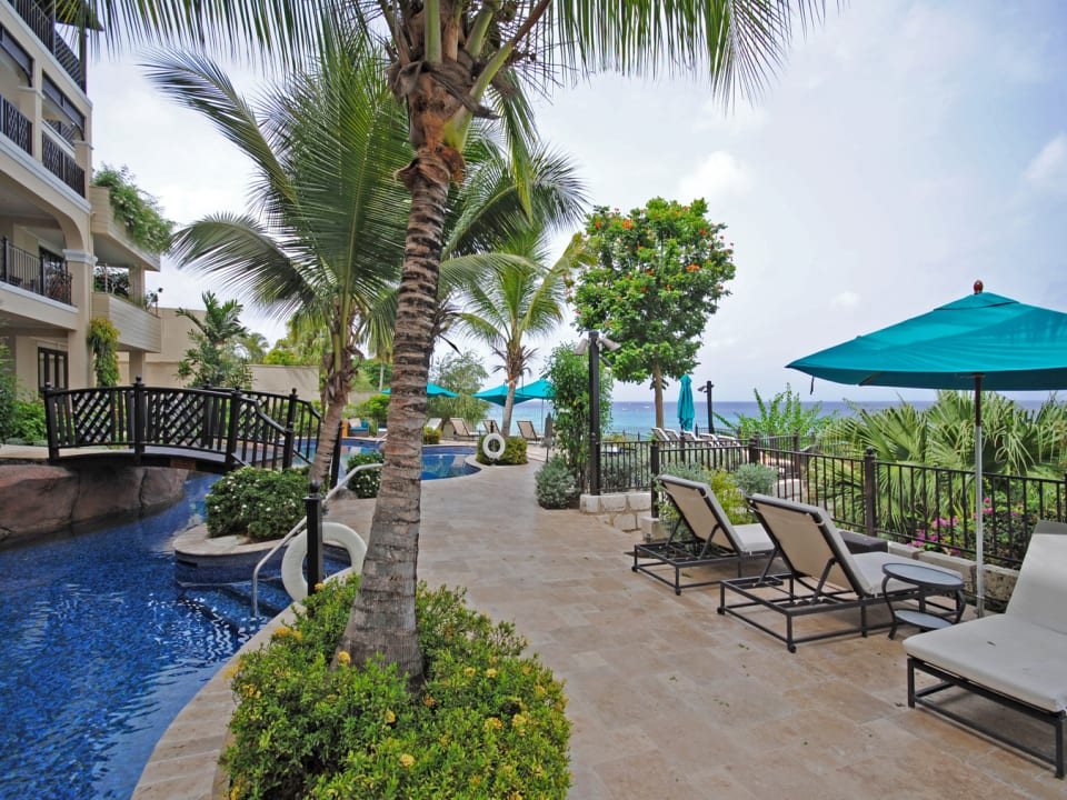 Swimming pool terrace and sea view