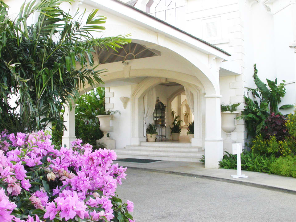 Entrance to reception