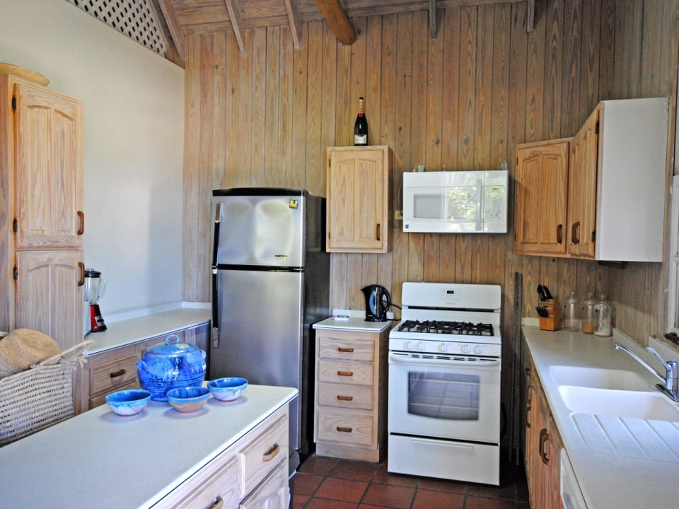 Well equipped kitchen of upper floor