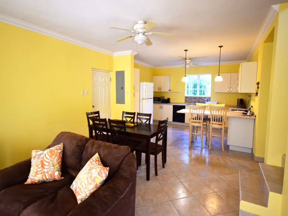 Dining area leading into the kitchen