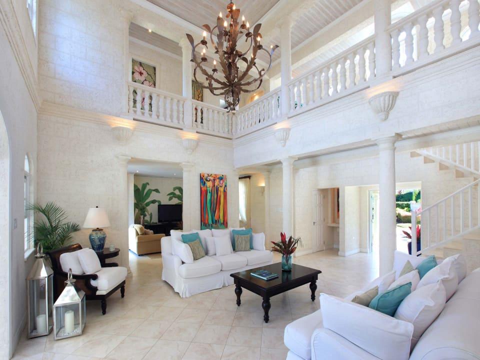 Grand living area