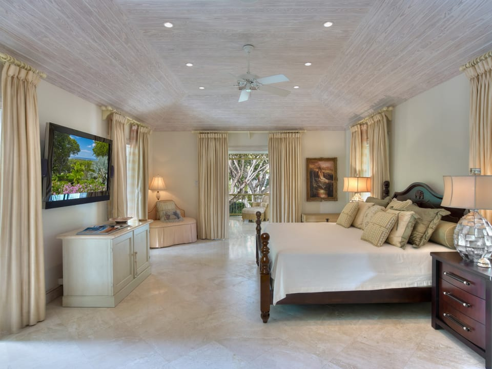 Luxurious ensuite bedroom