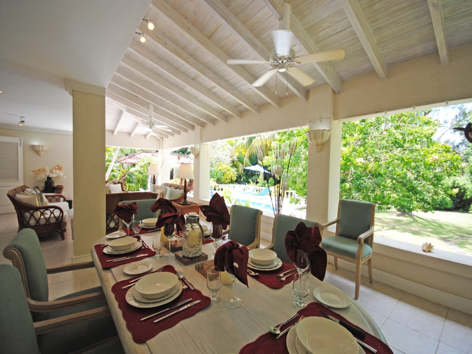 Dining terrace and lounge