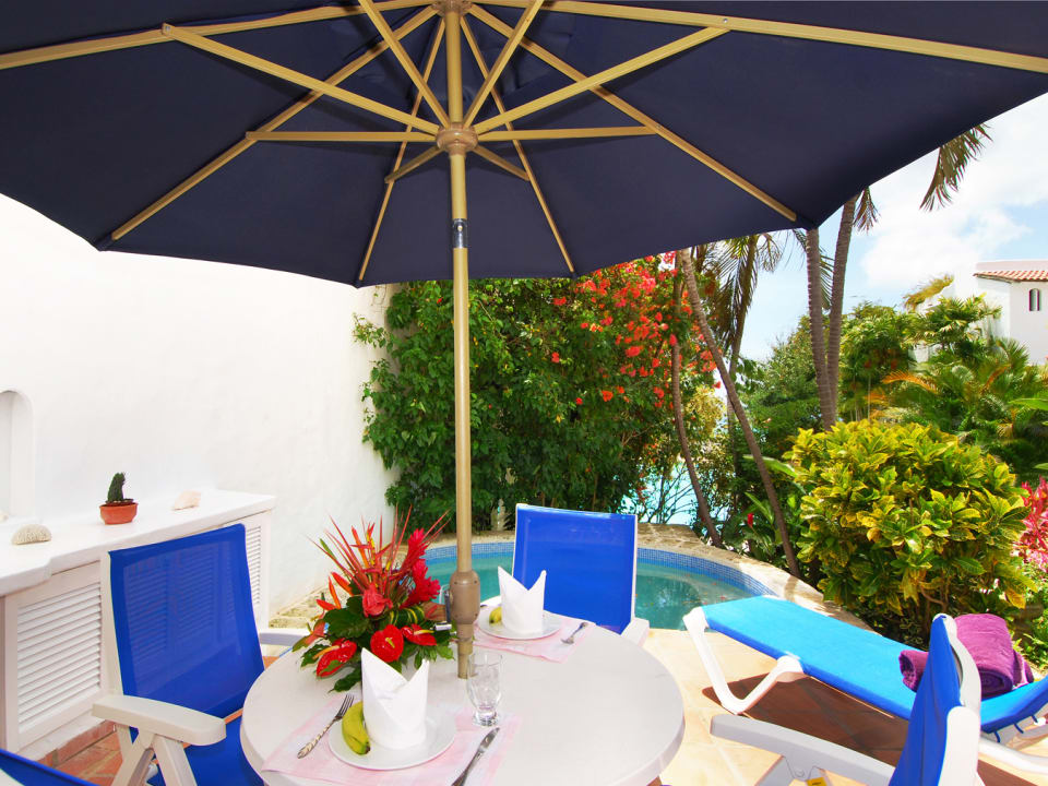 Sitting Area By Plunge Pool