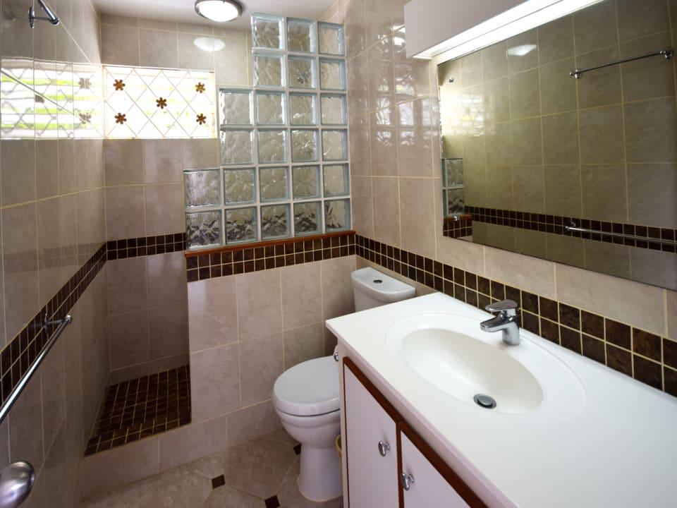 Attractive bathroom