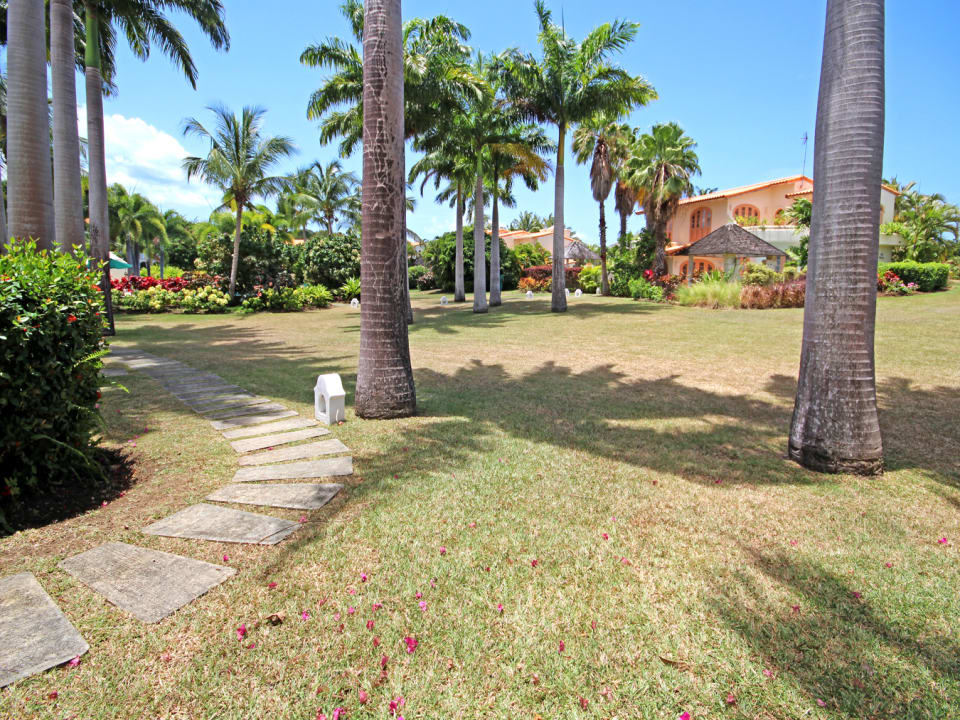 Shared grounds and walkway to swimming pool