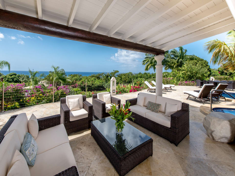 Partially covered terrace with ocean views