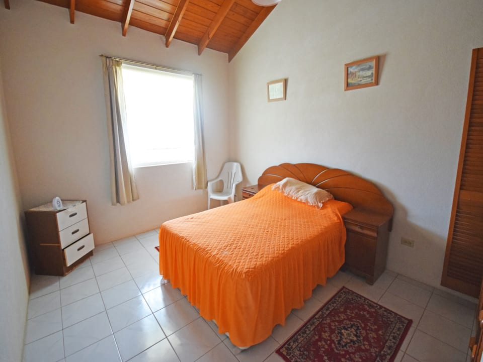 2nd Guest bedroom