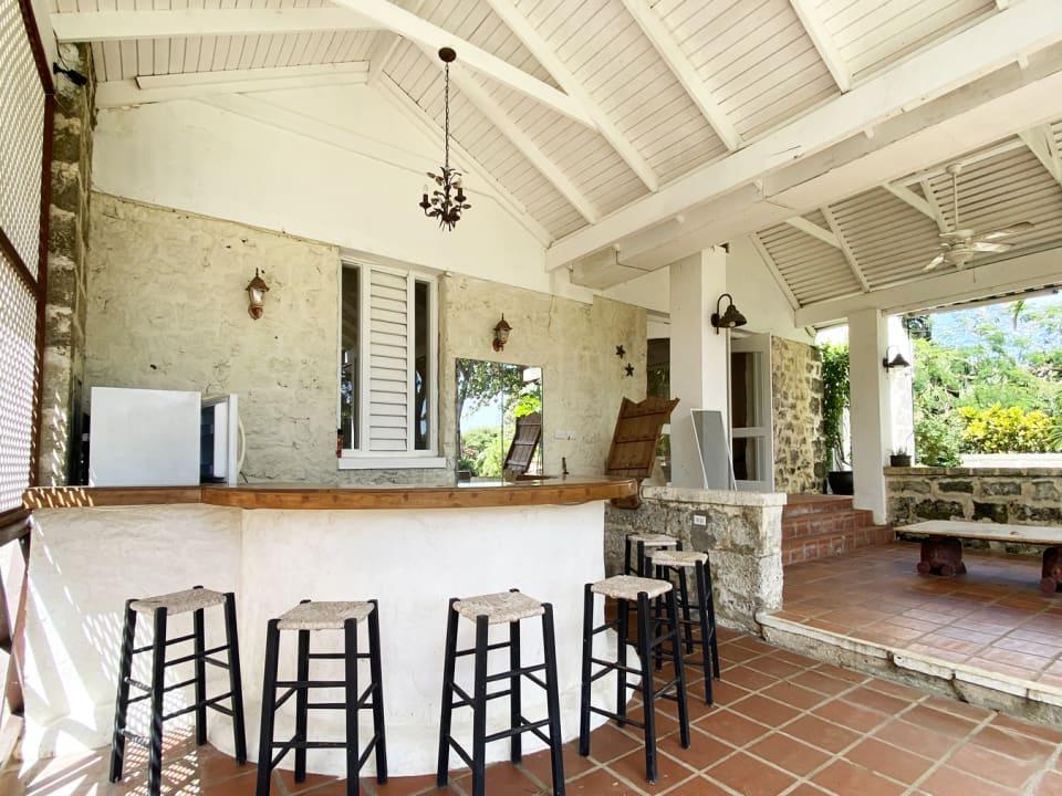 Main House Bar & Patio