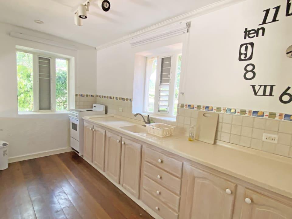 Villa - Modern Kitchen