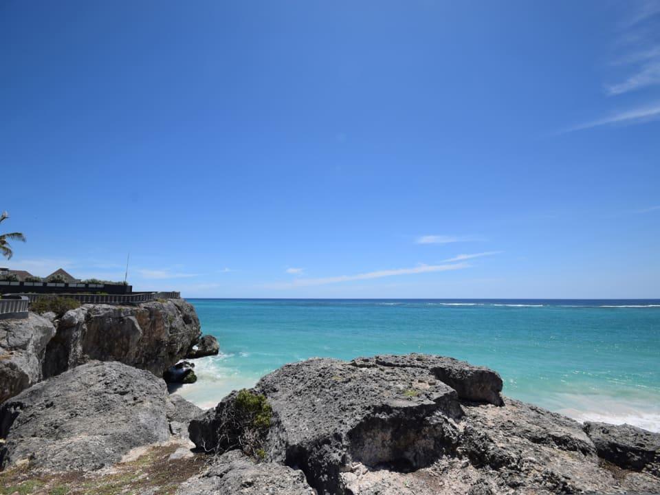 Gorgeous oceanfront cliffs less than 5 minutes walk away
