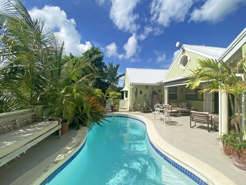Spacious covered terrace and pool deck