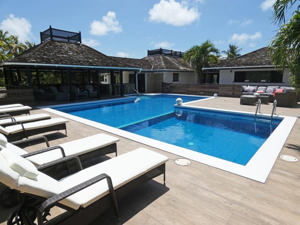 Lavish Deck  and Large Pool