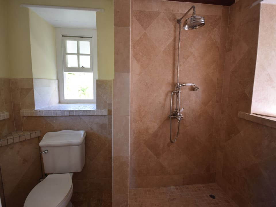 Master bathroom - is there a better photo?